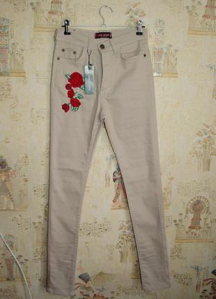 Бежевые джинсы с вышивкой, высокая посадка, скинни, зауженные, брюки, штаны, нашивка