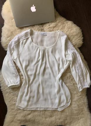 Блузочка с укороченным рукавом