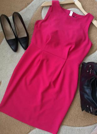 Фуксия. стильное деловое, вечернее, летнее платье-футляр. размер m-l.