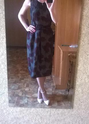 Шикарное шёлковое платье с поясом в цветочный принт с шифоном.