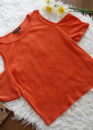 Майка, футболка, топ с разрезами на плечах, рубчик