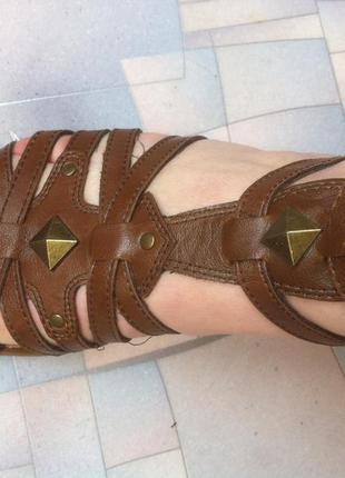 Супер-стильные босоножки 38-38,5 размер graceland