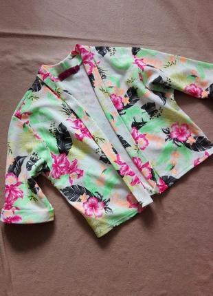 Легкий пиджак без застежек в яркий принт от boohoo 12 р.