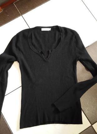 Черный свитерок