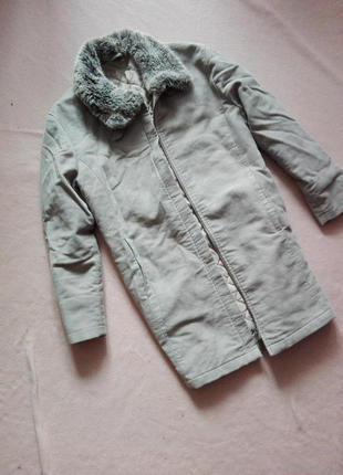 Демисезонное пальто с меховым воротником от marks&spencer