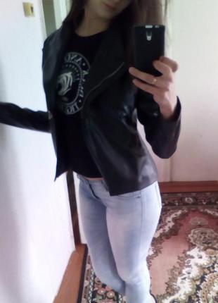 Куртка качественная эко кожа на подкладке, цвет: черный m-l