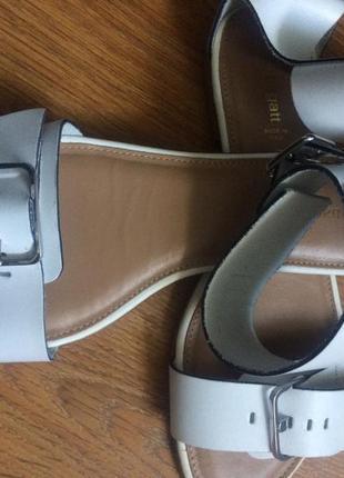Кожаные босоножки италия размер 38