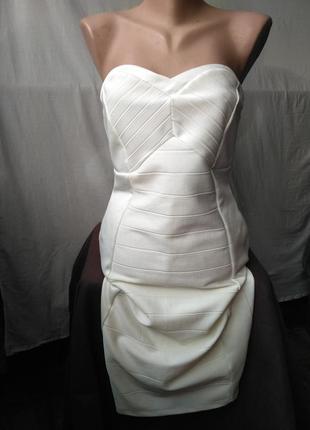 Красивое бандажное платье
