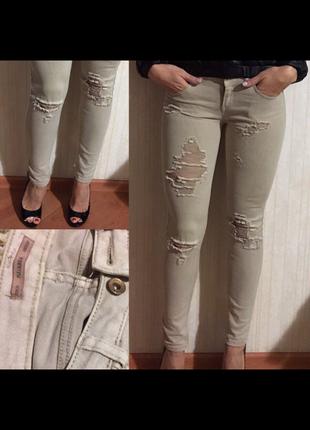 Классные оливковые  джинсы ,