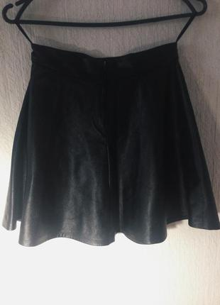 Кожаная чёрная юбка