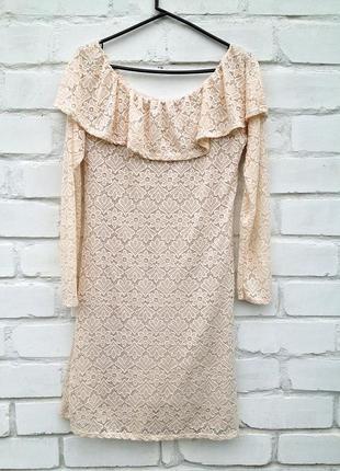 Бежевое нежное кружевное ажурное платье с воланом, размер 48-50, италия