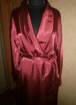 Роскошный атласный халат marks&spenser 20-22p подойдет и на 18р.