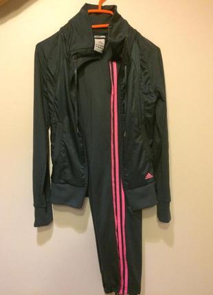 Продам спортивный костюм adidas оригинал