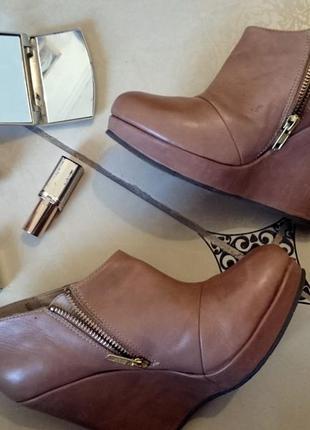 Крутые ботинки reserved