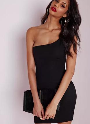 Шикарное бандажное маленькое черное платье на одно плечо amisu