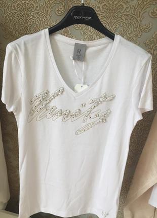 Стильная футболка с бусинами от rinascimento италия .