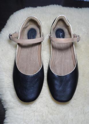 Кожаные балетки бренда clarks! производство вьетнам!