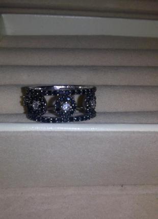 Серебрянное кольцо с черными фианитами edde 17 размер