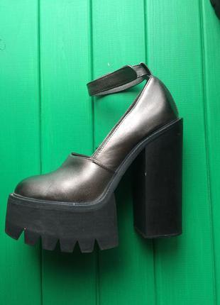 Шикарные кожаные туфли на тракторной платформе и толстом каблуке от sexy fairy