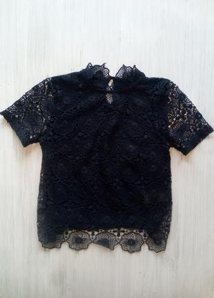 Красивая гипюрная блуза