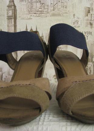 Босоножки на каблуке из натурального замша, размер 37, по стельке 23,5 см, фирма footglove