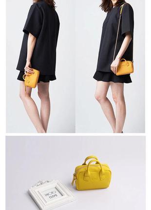 Желтая сумочка 👜 маленькая crossbody с пушистым брелком в подарок 🎁