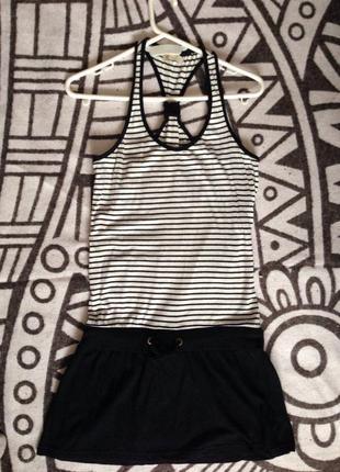 Платье в полоску черно-белую