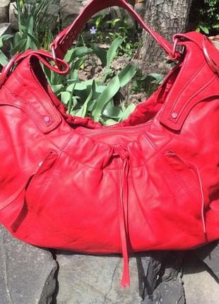 Очень стильная,большая,кожаная сумка karen millen