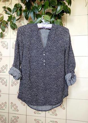 Блуза в сердечки esprit. размер 34 (с).