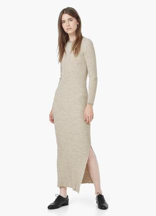 Миди-платье в резинку