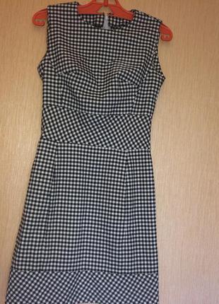 Милое платье в клетку котоновое с карманами