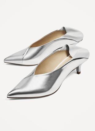Туфли с v-образным вырезом