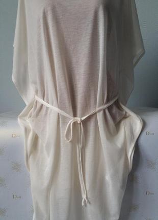 Платье-туника свободного фасона цвета слоновой кости