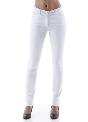 Белоснежные джинсы от versace ( оригинал )