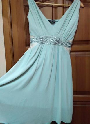 Очень красивое брендовое платье