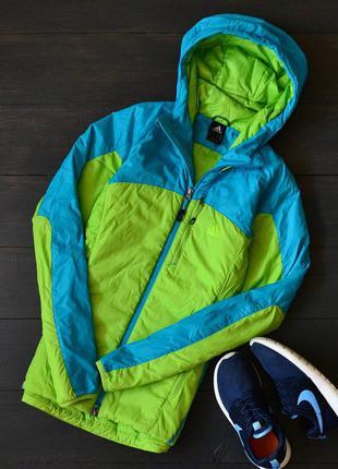 Яркая куртка adidas terrex