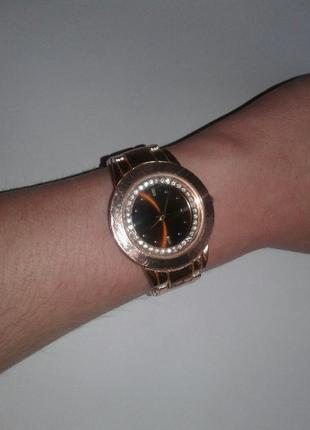Часы yves rocher
