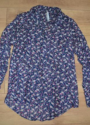 Рубашка с мелкий цветок новая