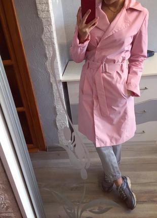 Крутое розовое непромокаемое пальто плащ от mango
