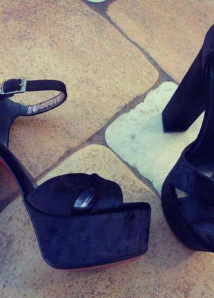 Босоножки женские/черные/высокий каблук/танкетка/платформа/красная подошва/каблук