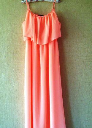 Трендовое неоновое шифоновое платье с воланами  в пол от atmosphere.