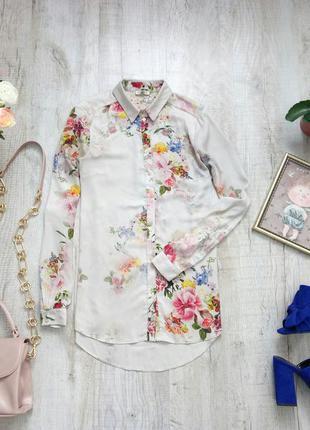 Красивая блуза в цветы