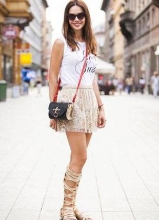 Стильная кружевная юбка