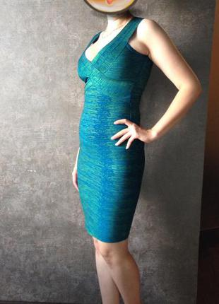 Платье для тех кто хочет подсеркнуть фигуру herve leger