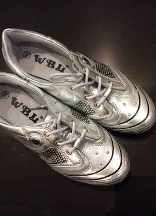 Спортивные туфли wanbaoli
