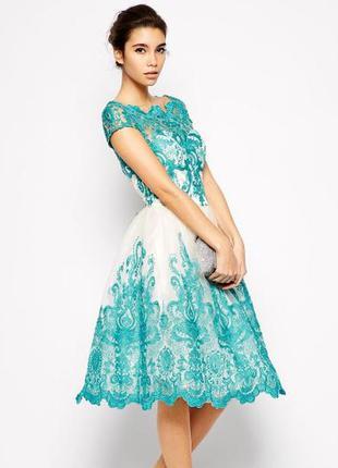 Шикарное кружевное платье миди chi chi london