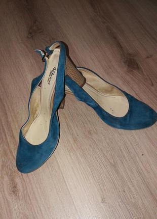 Туфли с открытой пяткой цвета глубины морской волны