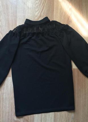 Необычная черная блузка ( на шее кружево )