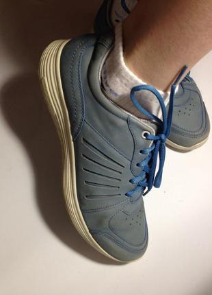 Кожаные голубые кросовки