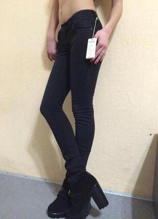 Новые чёрные джинсы манго р 34